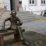 Georg Christoph Lichtenberg vor der Paulinerkirche